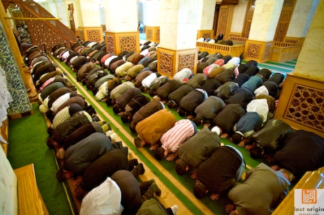 """Reflections after Observing Prayer at a Mosque: """"Whose spirit was in the room?"""" (part 1)"""